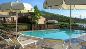 Agriturismo nelle marche - piscina